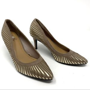 Impo Brown & Gold Point Toe Heel Size 6
